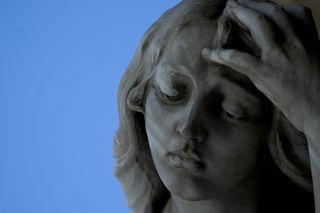 Blog condolences statue